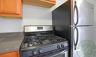 Kitchen, The Kenmore on Edgewater, 1