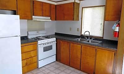 Meadowcrest Apartments, 1