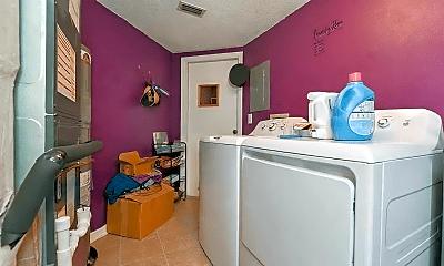 Living Room, 2210 Coach House Blvd, 2