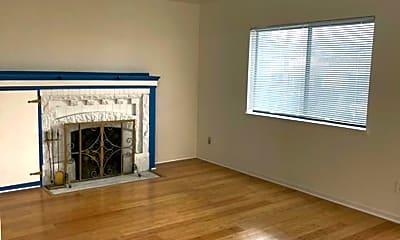 Living Room, 3627 Natalie Ct, 2