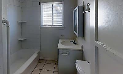 Bathroom, 654 Edgar Ave, 2
