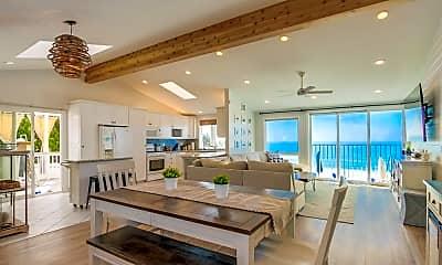 Living Room, 1470 Neptune Ave, 1