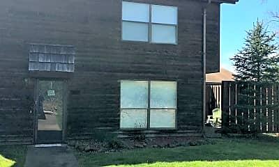 Building, 202 Hunters Ridge Rd, 0