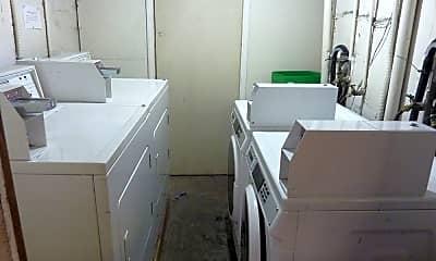 Bathroom, 2511 Hearst Ave, 2