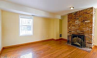 Living Room, 116 12th St NE, 0