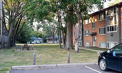 The Avenue Apartments, 2