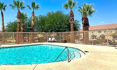 Pool, 8658 Tomnitz Ave, 1