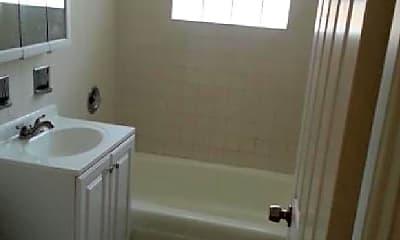 Bathroom, 2265 N Lincoln Ave, 0