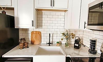 Kitchen, 1076 Poplar Ave, 1