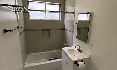 Bathroom, 720 Crenshaw Blvd, 2