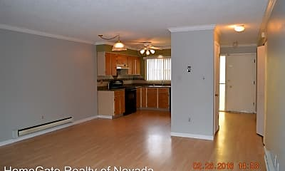 Kitchen, 439 Smithridge Park, 1