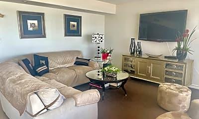 Living Room, 708 Padre Blvd, 1