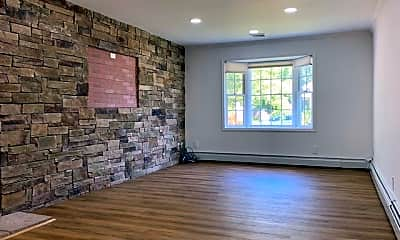 Living Room, 31 Southwood Cir, 1