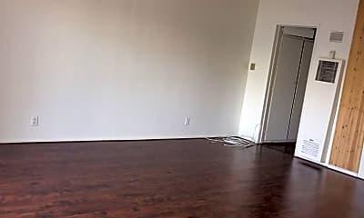 Living Room, 853 Center St, 0