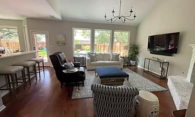 Living Room, 5225 Trading Bnd, 1