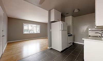 Kitchen, 1529 Granville Ave, 1