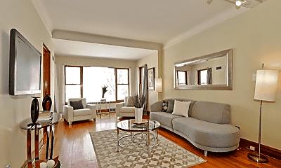 Living Room, 5247 W Waveland Ave, 1