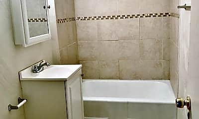 Bathroom, 5548 Forbes Ave, 1