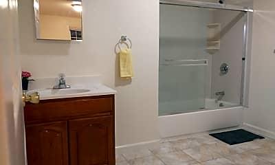 Bathroom, 5521 Shattuck Ave, 2