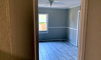 Bathroom, 2907 E 61st, 2