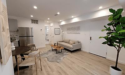 Living Room, 1570 Yosemite Dr, 1