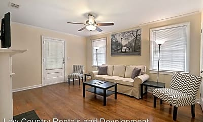 Living Room, 2020 Hawthorne St, 1