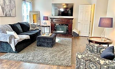Living Room, 147 Northwood Ln, 1