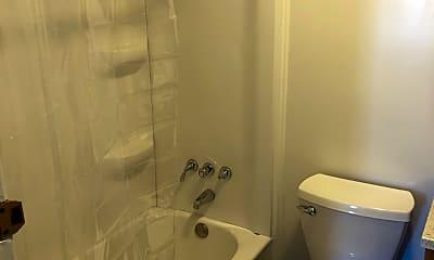 Bathroom, 824 5th Ave S, 2