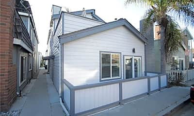 Building, 207 Lugonia St A, 1
