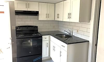 Kitchen, 208 E Oak St, 1