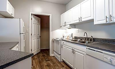 Kitchen, Hidden Creek Apartments, 1