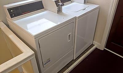 Bathroom, 928 Valencia St, 2