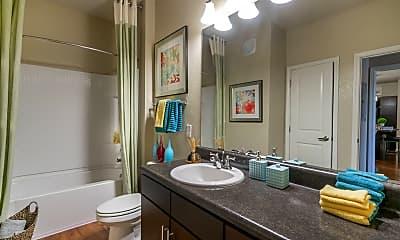 Bathroom, Longitude 81, 2