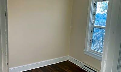Bedroom, 428 W King St, 2