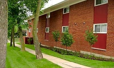 Prairie Path Apartments, 1