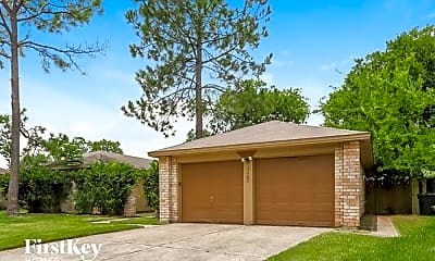 Building, 17507 Heritage Cove Dr, 1