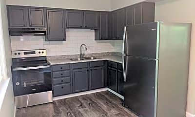 Kitchen, 915 Fillmore St., 2