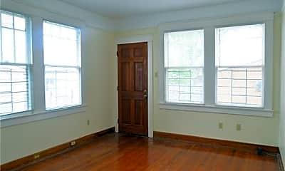 Bedroom, 2915 Carondelet St, 2