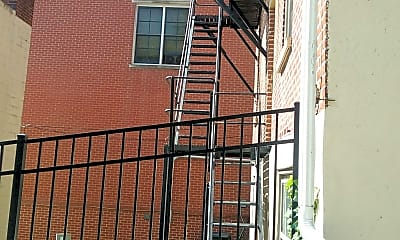 West Quaker Hill Apartments, 2