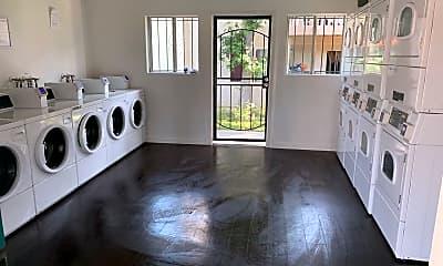 Living Room, 320 Smilax road, 2