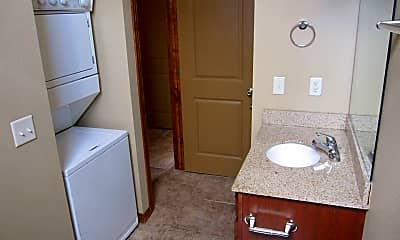 Bathroom, 521 N Jefferson Ave, 2