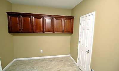 Bedroom, 104-35 113th St, 2