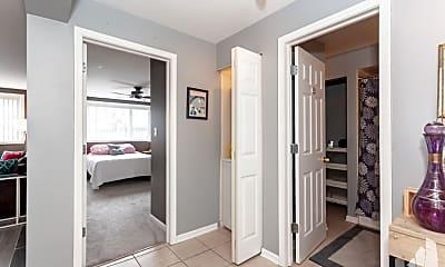 Bathroom, 5854 N Kenmore Ave, 1