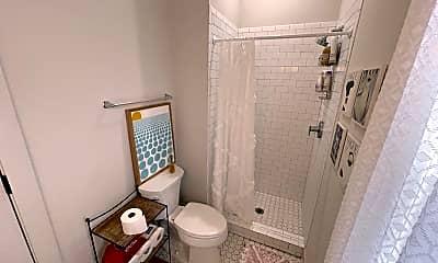 Bathroom, 613 E Duffy Ln, 2