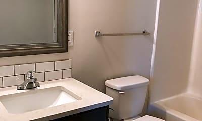 Bathroom, 40 Ratliff St, 2