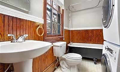 Bathroom, 904 Spain St A, 1