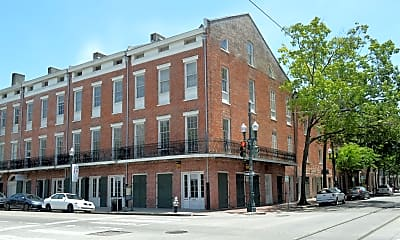Building, 800 St Charles Ave, 1