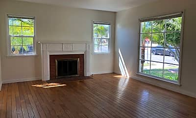 Living Room, 3002 Pearl St, 0
