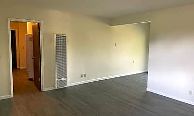 Living Room, 135 Carlton Ave, 1