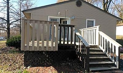 Building, 645 Eiserman Ave, 1